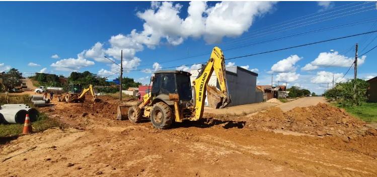 Trecho da Rua Florianópolis no setor 07 recebe serviço de drenagem e asfalto novo