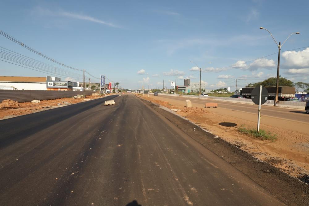 Após pavimentação, Prefeitura prepara iluminação e sinalização de marginais